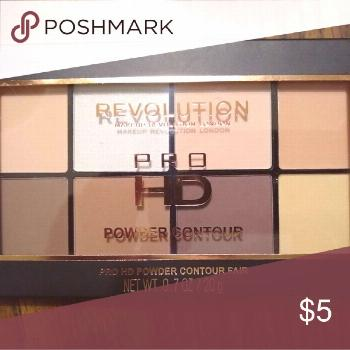 Makeup revolution contour powder Brand new and still sealed! Makeup Revolution Makeup Bronzer makeu