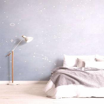 Sleep amongst the stars with this stylish, pastel watercolour wallpaper featuring zodiac constellat
