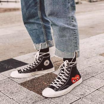 Sneakers | Converse | All stars | Street style | Inspiration | More on Fashionchick