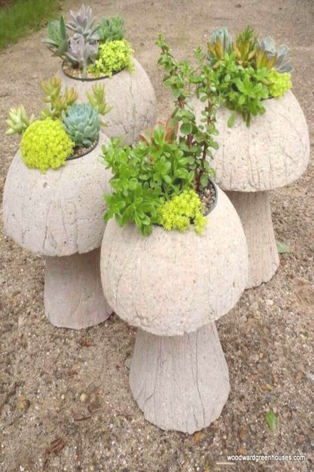 Cement mushroom planters | Hypertufa projects for the garden