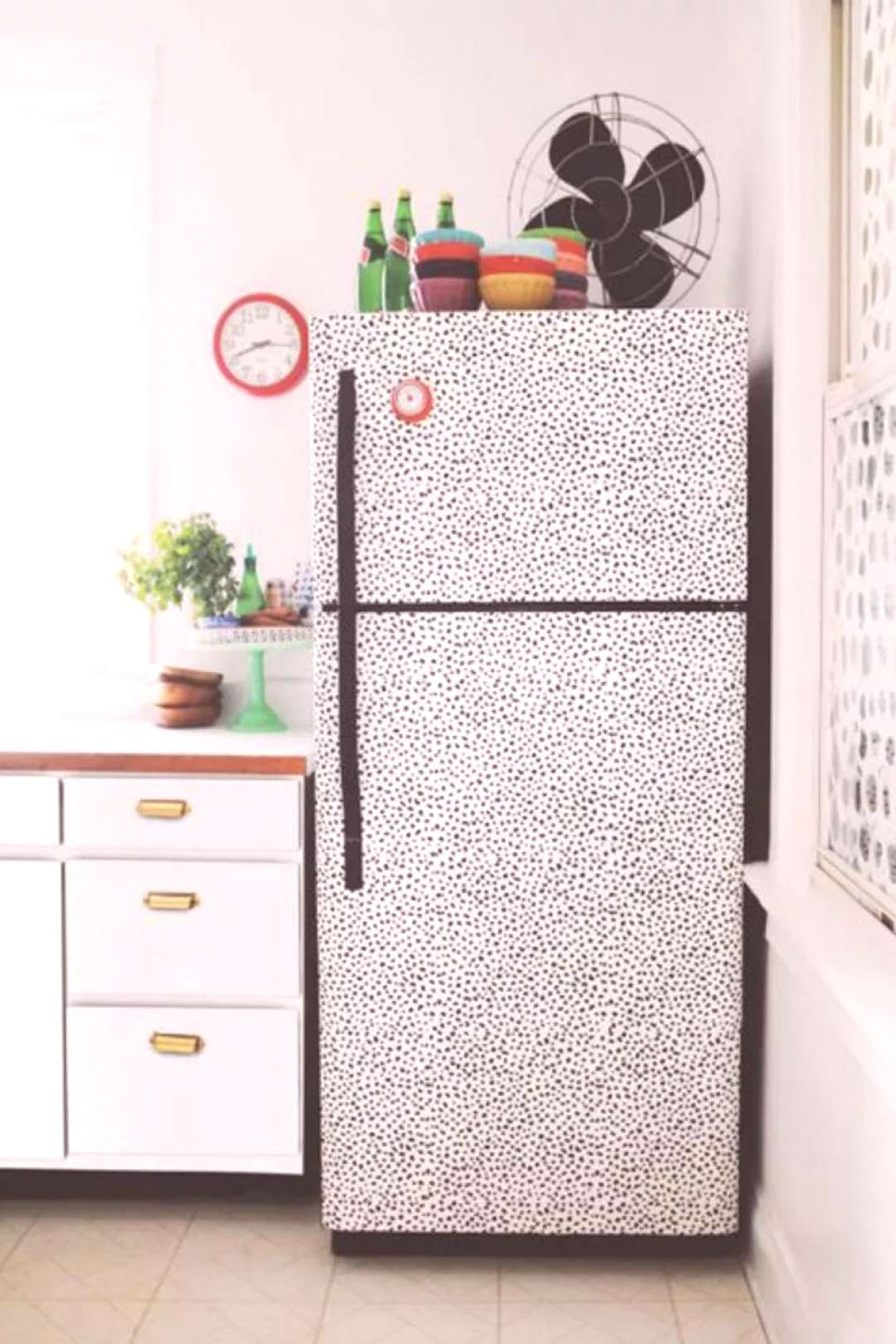 how to update a rental kitchen and get your deposit back. Ideas on how to DIY counter tops, cabinet