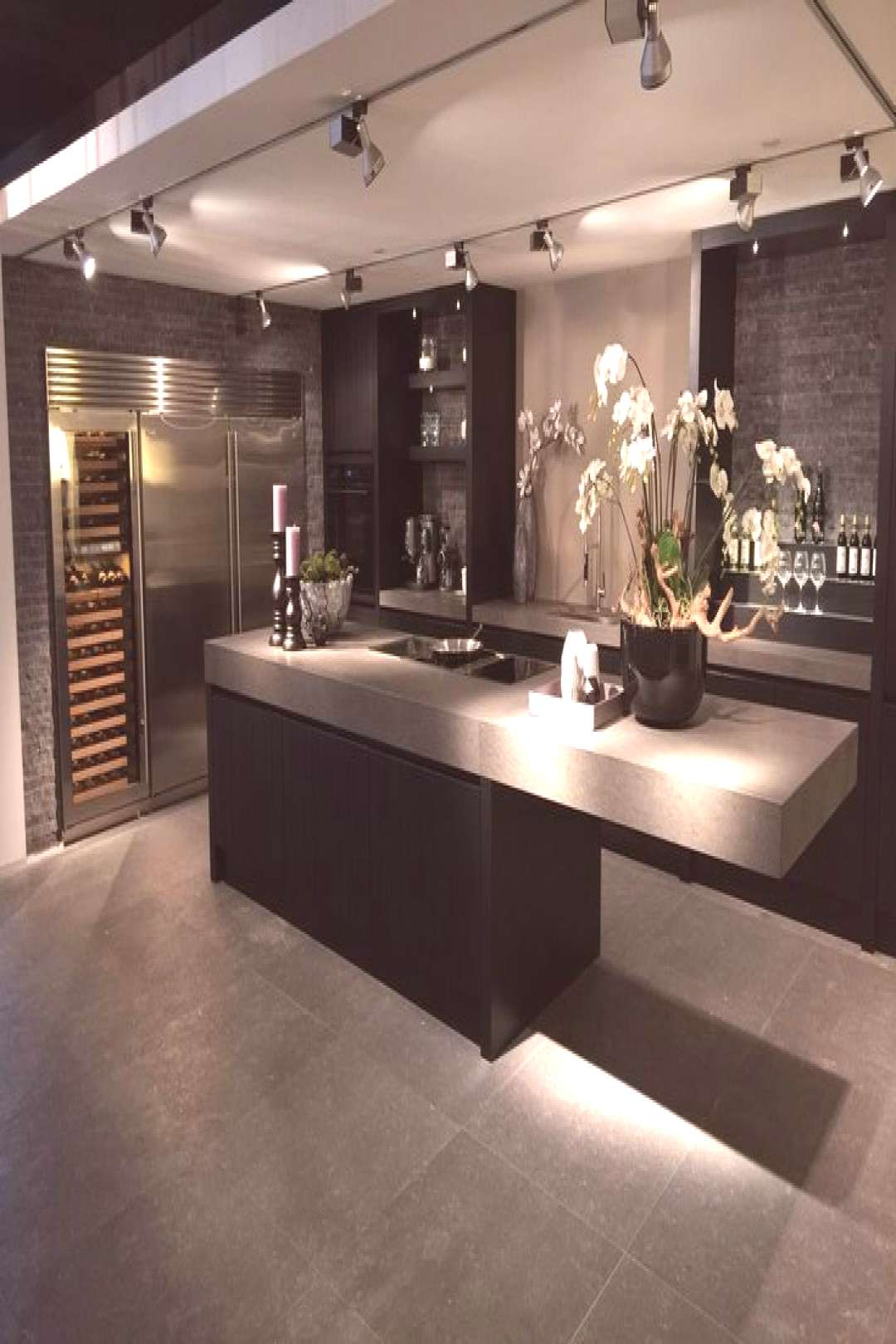 You can find the latest trends about kitchen here and at our website | Farmhouse... I especially l